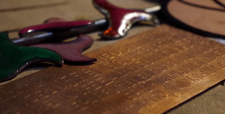 Plaque de cuivre gravée à l'acide nitrique