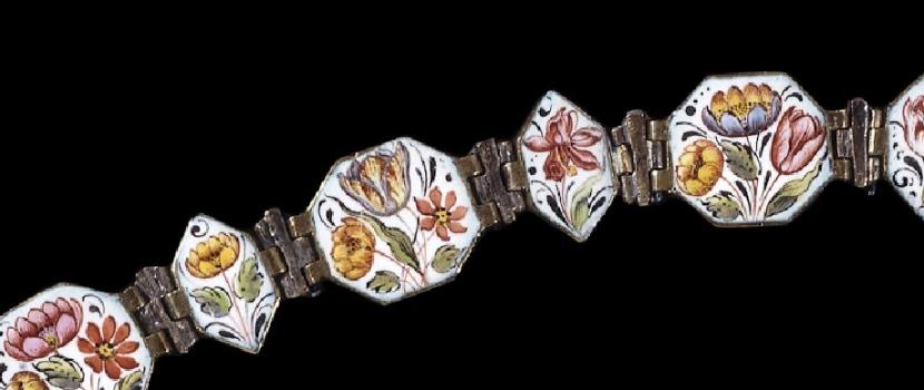Le Baroque : collier en émail peint